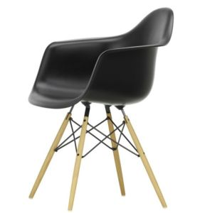 eames fiberglas chair