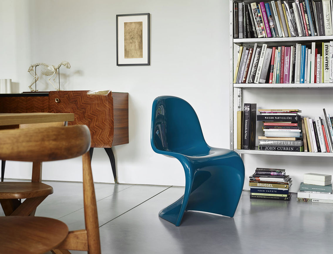 panton chair blau