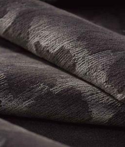 schwarzer-teppich-domaniecki